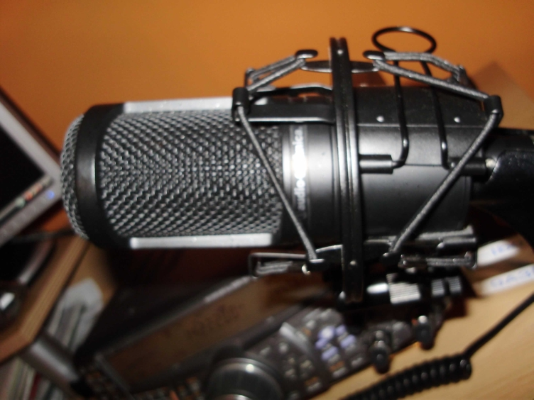 The Old 9A3BSL Voodoo Microphone!